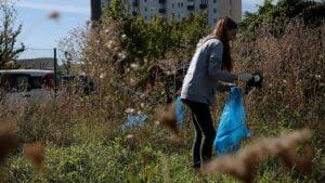 sprzatanie swiata wichrowe wzgorze9 300x169 - Poznań: Osiedle Wichrowe Wzgórze posprzątało okolicę