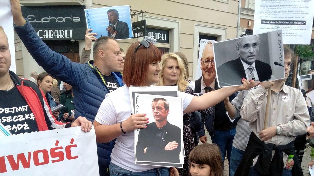Justyna Socha zbierała pieniądze dla… Grzegorza Brauna