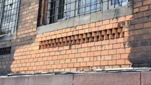 szkola berwinskiego remont fot. pim 300x169 - Poznań: Na fasadzie szkoły przy Berwińskiego już widać efekty remontu!