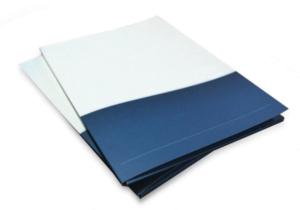 teczka 1 fot. art. spon. 300x210 - Jak zaprojektować teczkę firmową, by ta przyciągała uwagę?