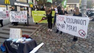 viva protest 300x169 - Poznań: Zatrzymajmy rzeź ptaków!