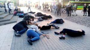 viva protest2 300x169 - Poznań: Zatrzymajmy rzeź ptaków!