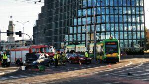 wypadek kaponiera fot. s. wachala 300x169 - Poznań: Wypadek na Kaponierze! Zablokowany ruch tramwajów