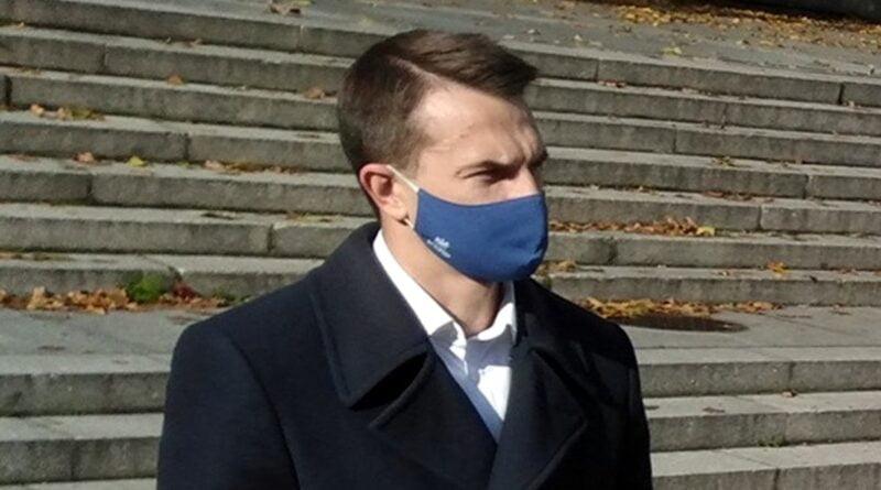 adam szlapka 2 800x445 - Interpelacja posła Szłapki: Czy rząd godzi się na brutalne użycie siły?