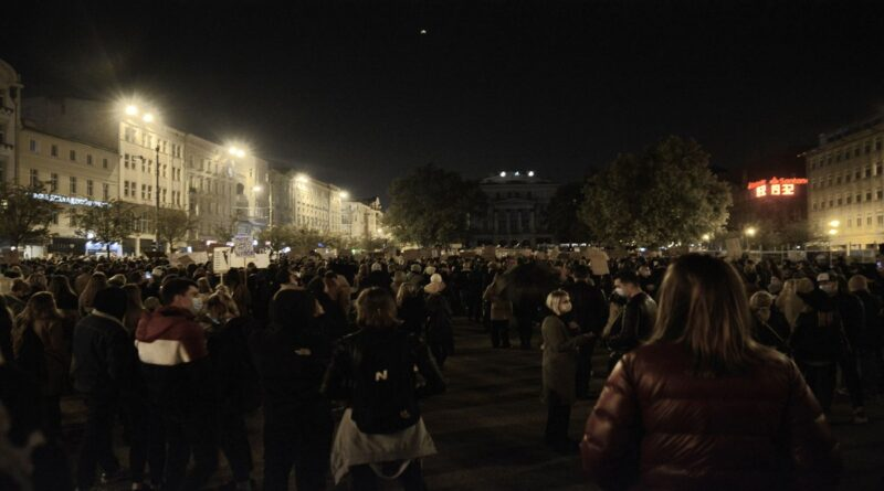 demonstracja przeciwko wyrokowi tk fot. k. adamska 5 800x445 - Poznań: Ekipa TVP zaatakowana przez demonstrujących?