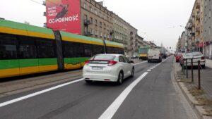 glogowska z wydzielonymi pasami fot. zdm3 300x169 - Poznań: Na Głogowskiej już są pasy rowerowe!