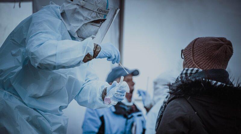 koronawirs fot. dwot3 800x445 - Wielkopolska: 500 zakażeń koronawirusem. I 15 zgonów