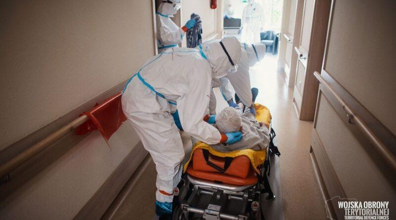 koronawirus - ewakuacja Domu Kombatanta fot. DWOT