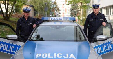 mł. asp. Daniel Szustakowski oraz asp. sztab. Ireneusz Turek fot. policja
