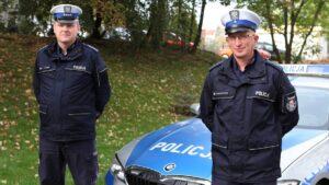 ml. asp. daniel szustakowski oraz asp. sztab. ireneusz turek fot. policja3 300x169 - Rawicz: Uratowali życie dzięki... BMW