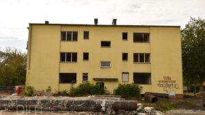 ostatni wyburzony budynek naramowice fot. pim2 300x169 - Poznań: Ostatni budynek na trasie tramwaju na Naramowice wyburzony