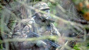 ostatnie szkolenie przed przysiega fot. dwot2 300x169 - Leszno: Pętla taktyczna, czyli terytorialsi dają egzamin