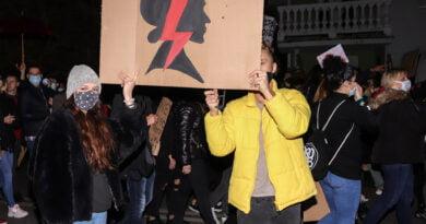 Protest Kobiet 26.10 Serafitek TVP Poznań fot. Sławek Wąchała