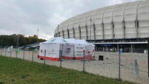 punkt drive thru fot. ump 300x169 - Poznań: Nowe punkty do testów na koronawirusa