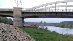 remont brzegow warty 4 300x169 - Poznań: Znów ruszyły prace przy rewitalizacji brzegów Warty