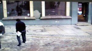 stary rynek slupek fot. smmp2 300x169 - Poznań: Jak kierowca samodzielnie zdemontował słupek - a straż miejska go na tym przyłapała