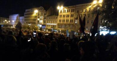 strajk kobiet plac wolnosci 4 390x205 - Strajk Kobiet Poznań kontra mężczyźni? Jest oświadczenie