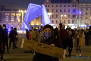 strajk kobiet poznan 31.10 fot. slawek wachala 0132 300x200 - Poznań: Dziewiąty dzień Strajku Kobiet