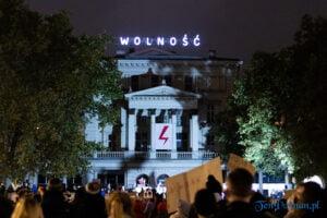 strajk kobiet poznan 31.10 fot. slawek wachala 0136 300x200 - Poznań: Dziewiąty dzień Strajku Kobiet