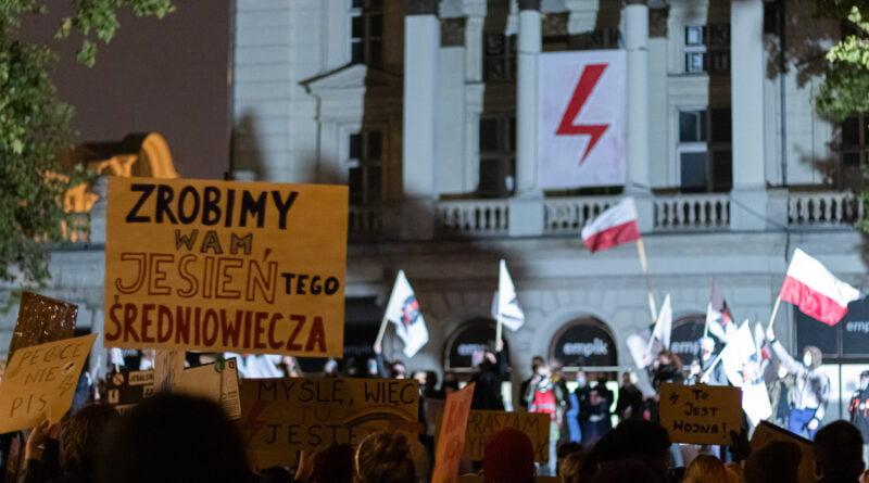 Strajk Kobiet Poznań 31.10 fot. Sławek Wąchała