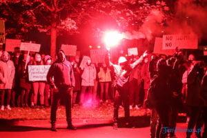 strajk kobiet poznan 31.10 fot. slawek wachala 0197 300x200 - Poznań: Dziewiąty dzień Strajku Kobiet