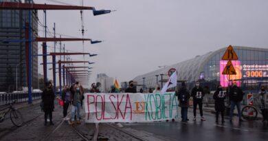 Udział uczniów w Strajku Kobiet. MEN komentuje