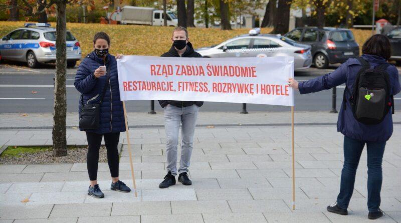 Czarna polewka protest gastronomii fot. K. Adamska
