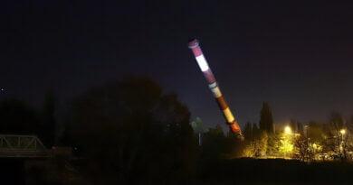 EC I Garbary upadek 100 metrowego komina krok po kroku fot. Magda Zając