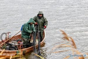 jezioro malta odlow ryb fot. slawek wachala 4405 300x200 - Poznań: W Malcie trwa... wielkie łowienie ryb