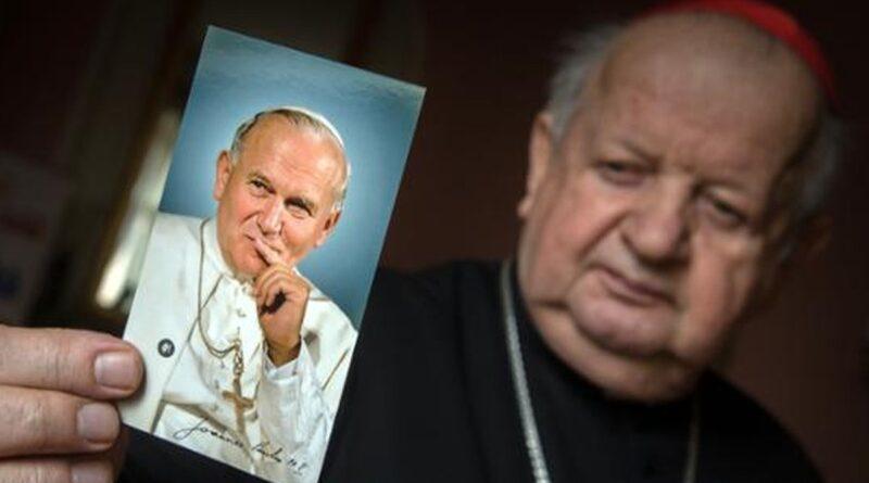 kardynał Dziwisz fot. Gov.pl