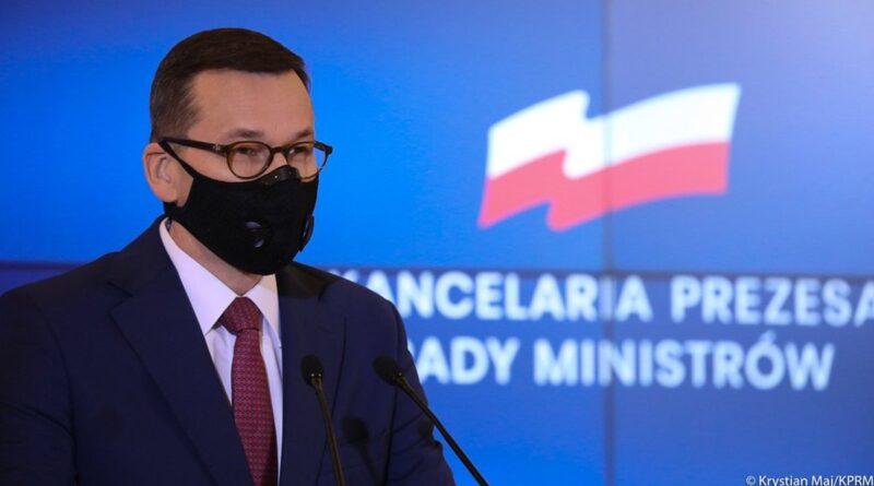 mateusz morawiecki fot. kprm 1 800x445 - Polska: Hotele, kina i teatry będą otwarte!