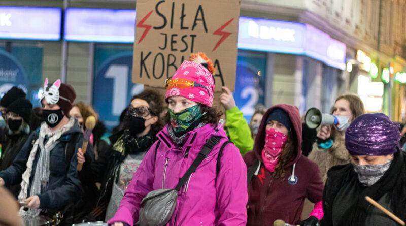 Partyzantka Poznań Strajk Kobiet fot. Sławek Wąchała