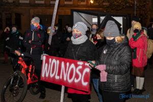 proces kobiecego ciala strajk kobiet fot. slawek wachala 3120 300x200 - Poznań: Strajk Kobiet przespacerował się przez miasto
