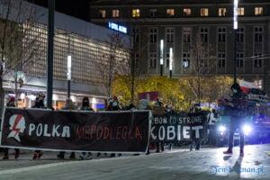 proces kobiecego ciala strajk kobiet fot. slawek wachala 3196 300x200 - Poznań: Strajk Kobiet przespacerował się przez miasto