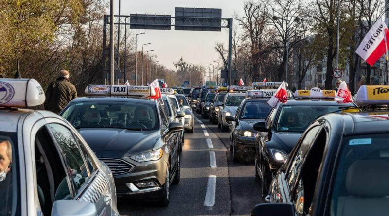 Protest TAXI Poznań fot. Sławek Wąchała