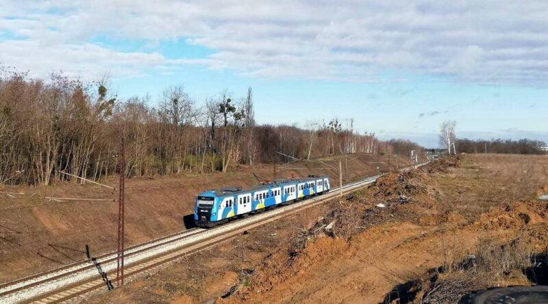 przejazd kolejowy pociag fot. ump2 800x445 - Leszno: Osunięcie gruntu między Lesznem a Bojanowem. Pociągi zmienią trasy