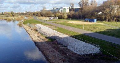 Poznań: Coraz mniej betonu na brzegach Warty