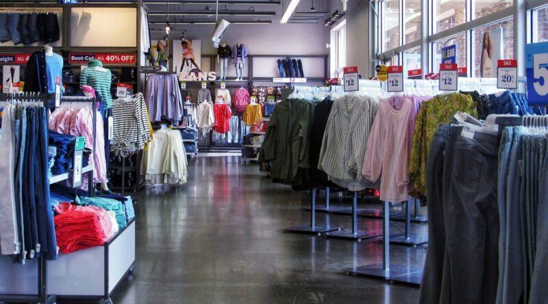 sklep odzieżowy fot. pixabay