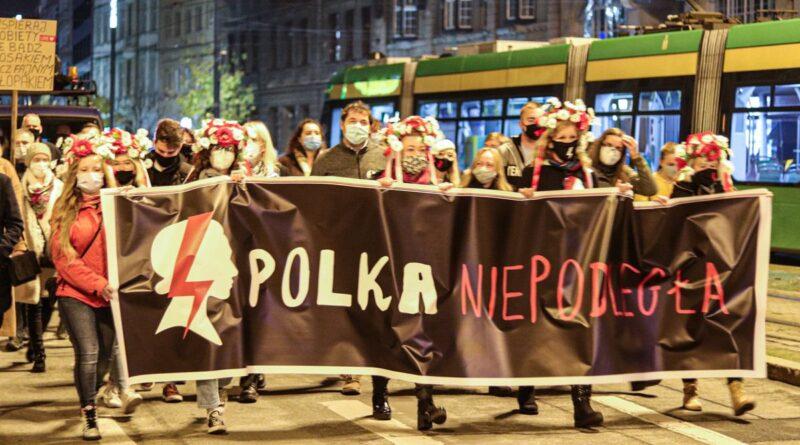 strajk kobiet polka niepodlegla fot. s. wachala4 800x445 - Poznań: Radny kontra Strajk Kobiet. Z mandatem w tle