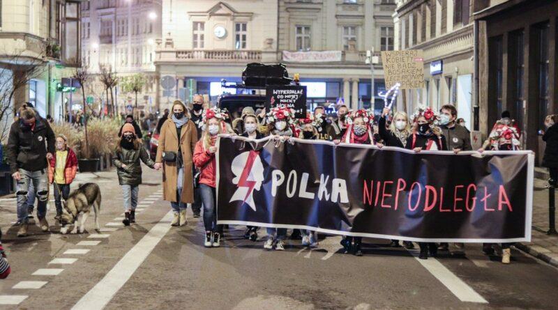 strajk kobiet polka niepodlegla fot. s. wachala5 800x445 - Poznań: Partyzantka - Poznań czyli kolejna odsłona Strajku Kobiet