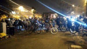 strajk kobiet przejazd rowerzystow3 300x169 - Poznań: Rowerzyści ze Strajku Kobiet pojechali po aborcję