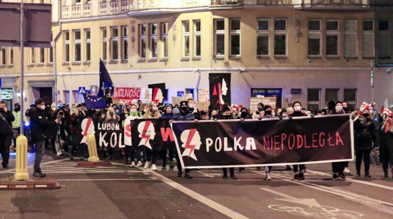Strajk Kobiet w sprawie UE fot. S. Wąchała