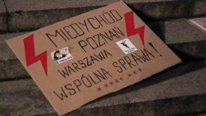 strajk kobiet w sprawie ue fot. s. wachala4 300x169 - Poznań: Strajk Kobiet za Unią Europejską i w imię praw kobiet