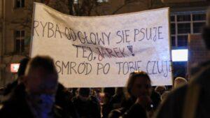 strajk kobiet w sprawie ue fot. s. wachala7 300x169 - Poznań: Strajk Kobiet za Unią Europejską i w imię praw kobiet