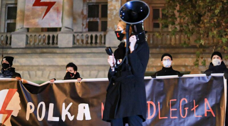 strajk kobiet w sprawie ue fot. s. wachala8 800x445 - Poznań: Strajk Kobiet znów w centrum Poznania