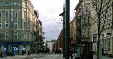 Poznań: Cafe La Ruina i Raj obronione przed... Strażą Narodową. Poszło o Strajk Kobiet