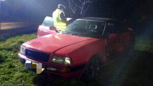 wypadek fot. policja szamotuly 300x169 - Szamotuły: Wypadek w Pęckowie. Jedna osoba ranna