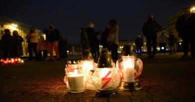 Poznań: Znicze dla bezpiecznej granicy. Demonstracja