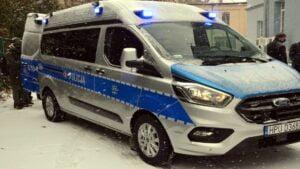 """dymowoz fot.pp  300x169 - Poznań: """"Dymowóz"""" dla policji od starostwa poznańskiego"""