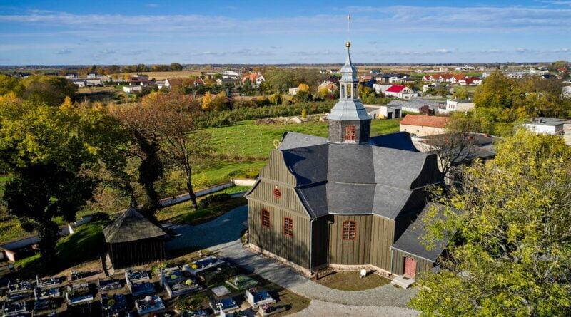 Kościół cmentarny pw. Św. Krzyża w Buku fot. MKiDN, P. Ulatowski
